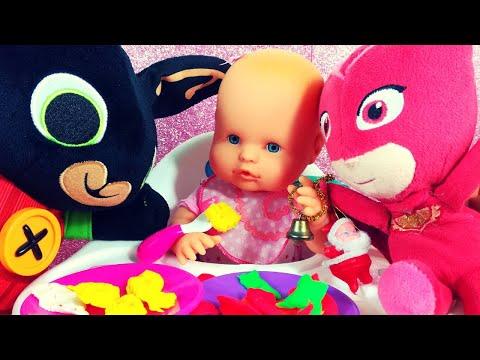 Gufetta e Bing preparano la pappa a Nenuco e giocano con lei [Giochi col Play-Doh e lo Slime]