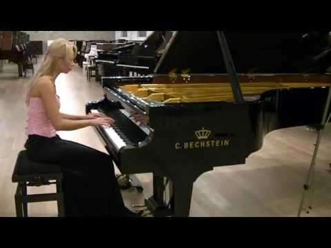 L.  van Beethoven Piano Sonata in G major Op.  31 No. 1 Mov 1, plays Anna Lipiak