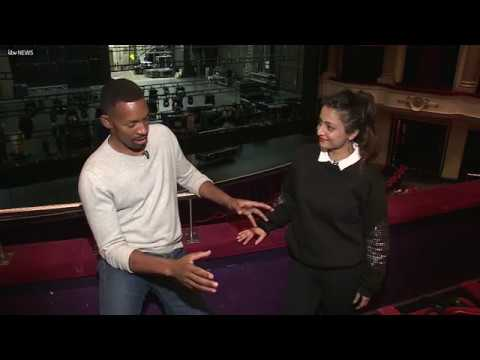Des does Bollywood! Shruti Merchant teaches Des some iconic moves | ITV News
