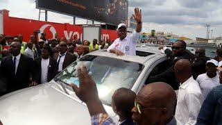 Martin Fayulu, candidat de l'opposition pour la présidentielle en RD Congo, arrive à Kinshasa