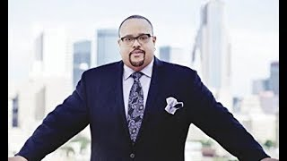 Fred Hammond on TBN Testimony -  Sep 25, 2014  - Hosted by Donnie McClurkin