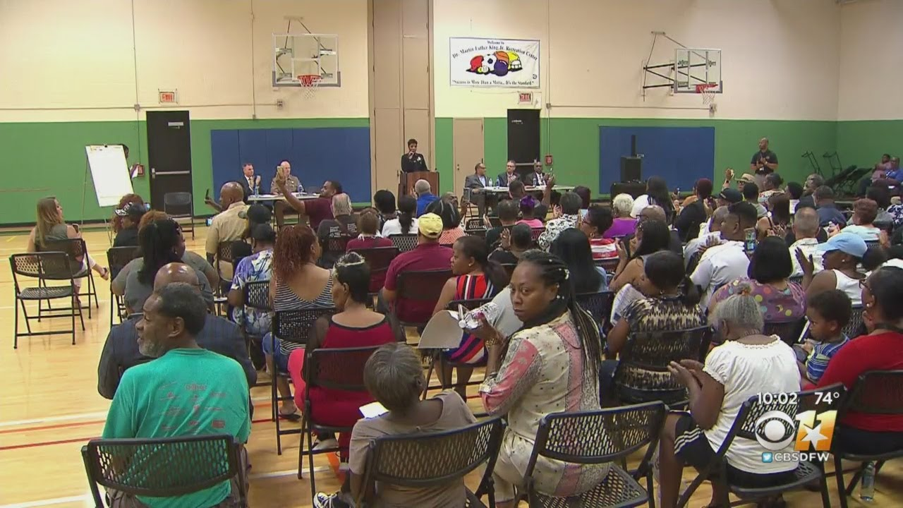 South Dallas, Texas Pack Community Meeting To Address Violence