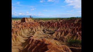 Desierto de la Tatacoa Huila desde el aire Drone