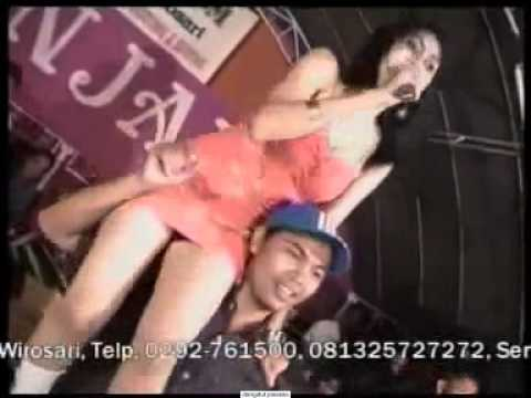 DANGDUT KOPLO HOT - KARMILA - MELLA BARBIE HOT 2014