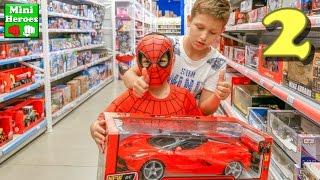 Человек Паук в Магазине Детских игрушек выбирает самые Крутые игрушки  ( Франция Лилле )  2 я часть
