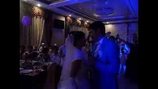 Жених поёт для невесты  Я ЛЮБЛЮ ТЕБЯ ДО СЛЁЗ! г. АКСАЙ