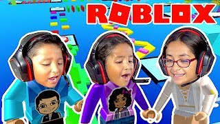 3 KINDER SPIELEN SUPER MEGA OBBY! SIBLINGS CHALLENGE! ROBLOX WARS | FAMBAM GAMING
