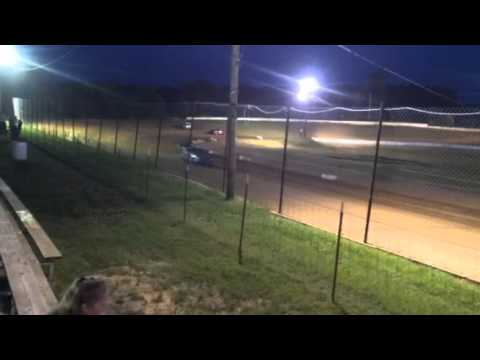 West Siloam Speedway FWD Feature (trackside 7-4-14)