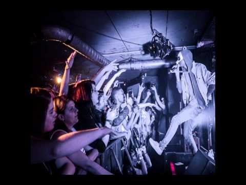 Cro - Einmal Um Die Welt (LIVE @ New Pop Festival 14.09.2012)
