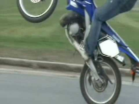 yamaha dt 50 r sasik freestyle stunt youtube. Black Bedroom Furniture Sets. Home Design Ideas