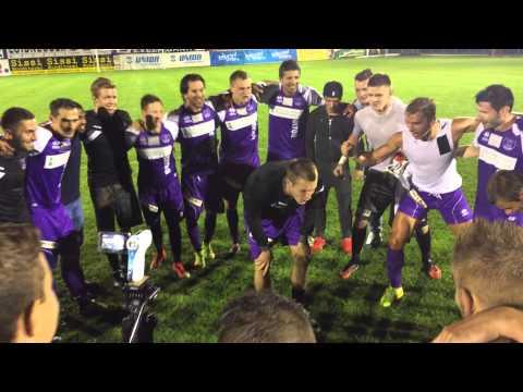 Die Feier nach dem 4:0-Derbysieg gegen den SAK I Saison 2014/15