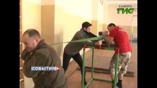 Чемпион мира по армрестлингу Эльдар Алискендаров проходит службу в армии(, 2015-01-29T08:21:10.000Z)