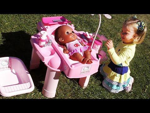 Hello Kitty  ИГРАЕМ В КУКЛЫ baby doll toy Игры для Девочек Хелло Китти для Куклы Hello Kitty toy