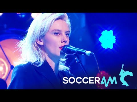 Wolf Alice | Beautifully Unconventional (Live On Soccer AM)