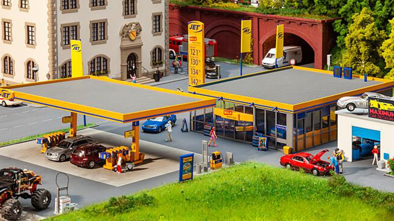 Faller 151070 Petrol Station Service Personnel H0 gauge