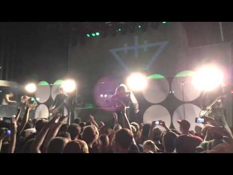 The Devil Wears Prada - Assistant To The Regional Manager - 10/21/15 - London Music Hall (LIVE HD)
