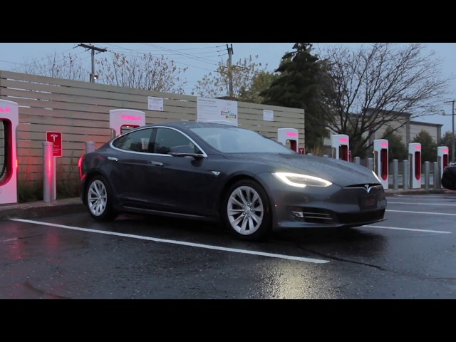 Tesla Supercharger Road Trip Around Québec!