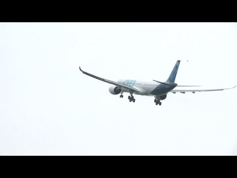 Toulouse: premier vol du nouvel A330neo d