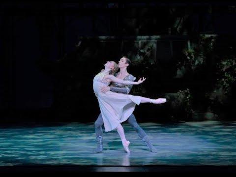 Romeo & Juliet Balcony                      Pas de Deux
