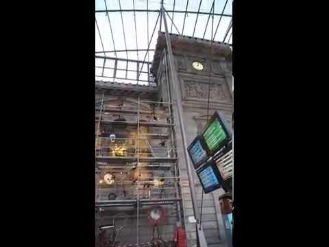 Horloge du millénaire de la Cathédrale de Strasbourg dans la Gare Verrière D. DEPOUTOT Vidéo POUSSIN