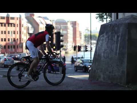 Những màn biểu diễn xe đạp cực đỉnh