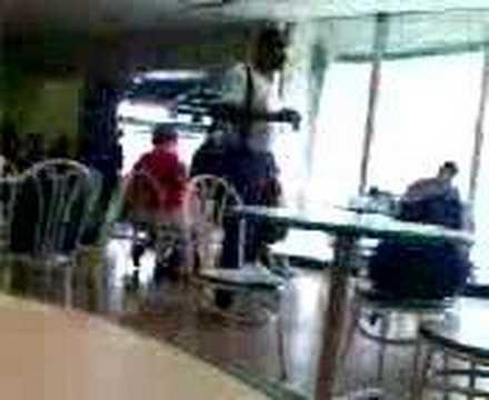 Oscar Cabarcas en la cafeteria