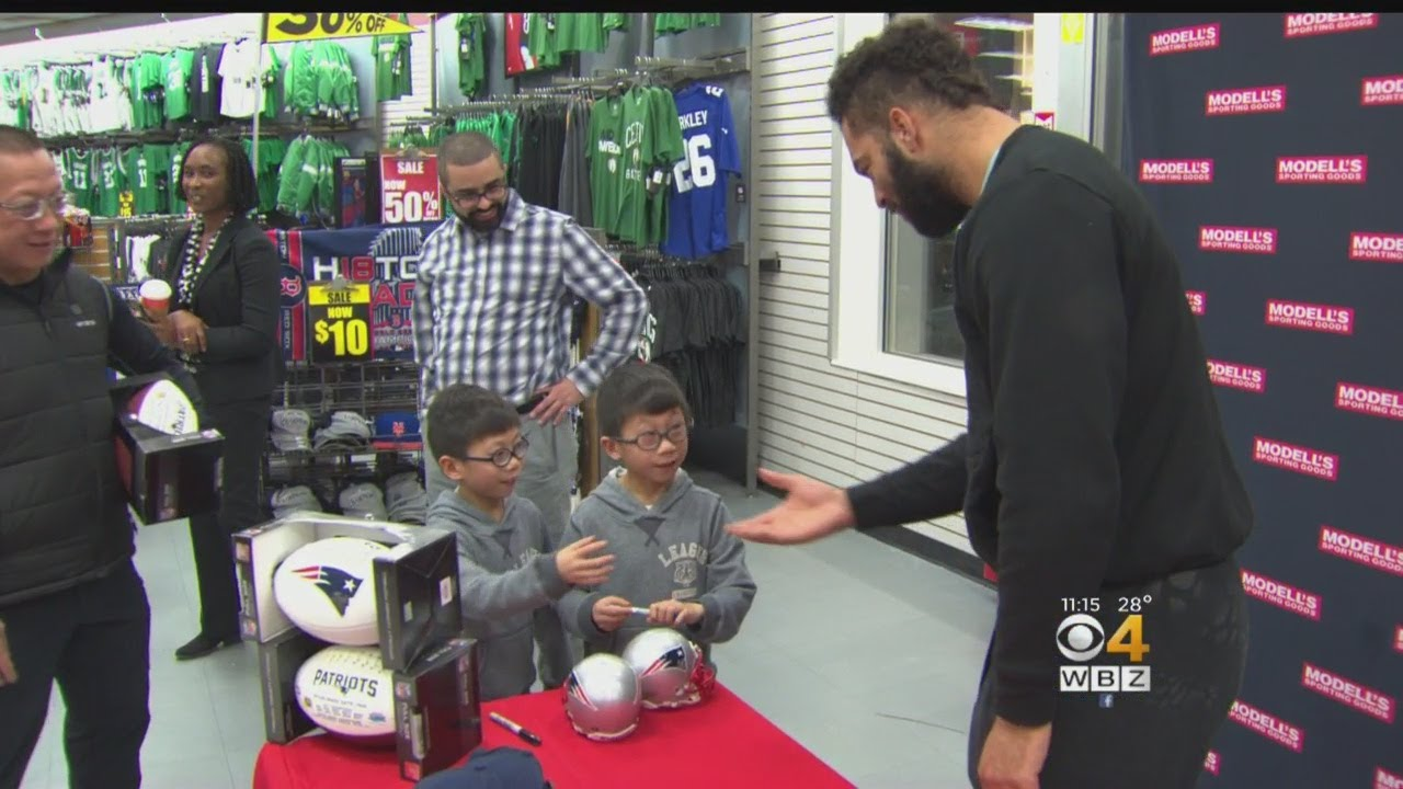01892dba652 Patriots Fans Meet Kyle Van Noy Ahead Of Super Bowl - YouTube