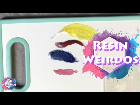 Watch Me Resin - Soft Uv Resin - Jelly Resin - Feather charms