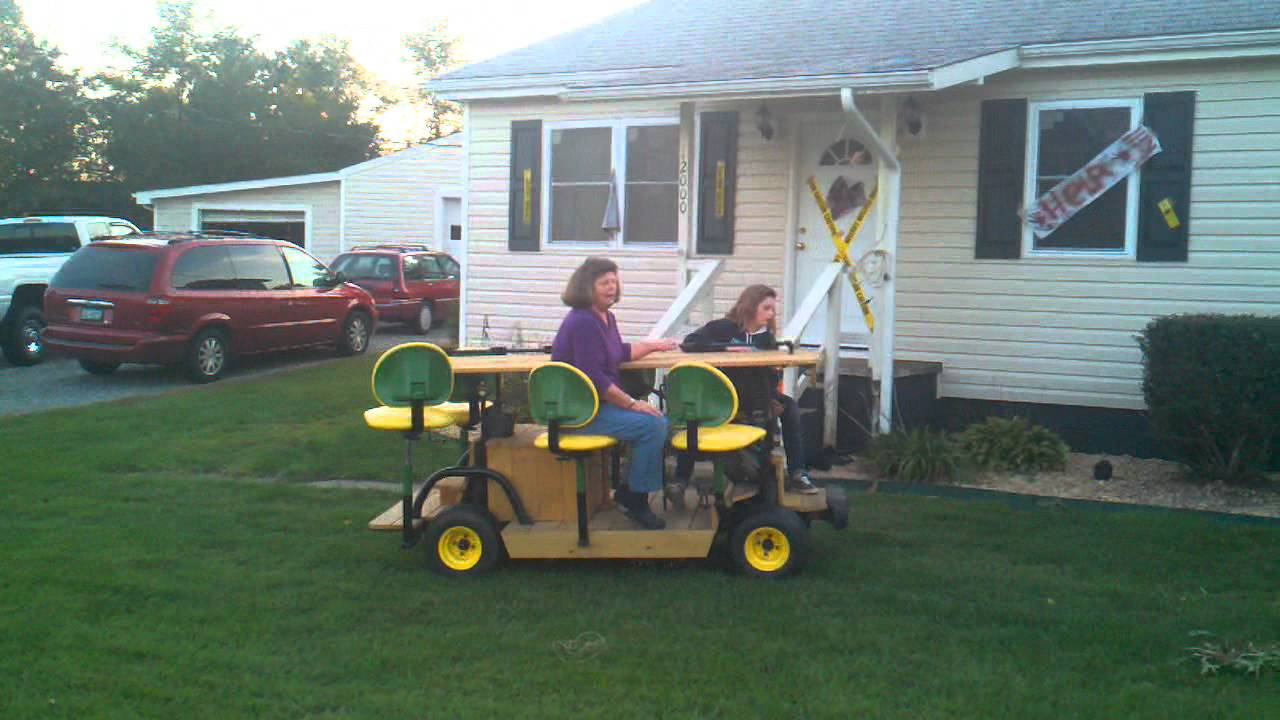 Self propelled mobile picnic table - YouTube