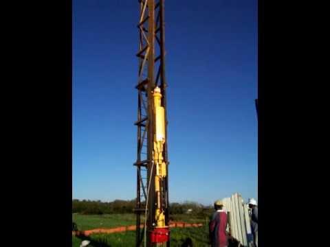 Berminghamer B9 Diesel Hammer in Hanging Box Leads