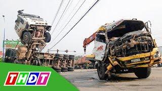 Xe ben chổng đầu lên trời sau cú tông xe tải | THDT