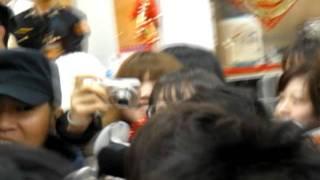 """2012/01/13 來台宣傳電影""""菜鳥薪鮮人"""" in 松山機場--------------------..."""
