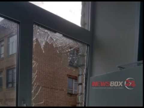 В Дунае ЗАТО Фокино ветер сорвал часть кровли со здания школы