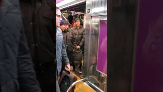 Fight on the train NYC 6 line