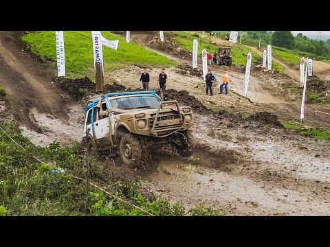 Off Road   2x Lada Niva V.S Dacia Duster