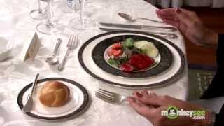 Basic Dining Etiquette - The Salad Course(To view the next video in this series click: http://www.monkeysee.com/play/2257 In this video, etiquette expert Nancy R. Mitchell, The Etiquette Advocate, guides ..., 2009-04-15T23:43:06.000Z)