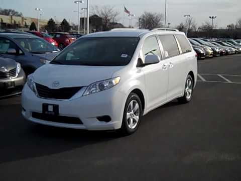 2011 toyota sienna le tour of options features jon. Black Bedroom Furniture Sets. Home Design Ideas