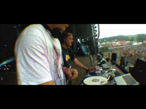 Ambush Tactics Vs. Priddle & Beavz - Rolla (Bestival Main Stage Live 2014)