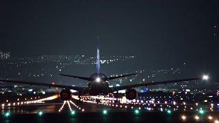 [HD]大阪伊丹空港 千里川土手からの滑走路夜景と飛行機離陸着陸映像 Amazing Night View&plane spotting at Osaka Itami airport thumbnail