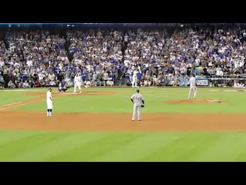 Justin Turner Walk Off 3 Run Homerun NLCS Game 2 Against Chicago Cubs. Go Dodgers!!!