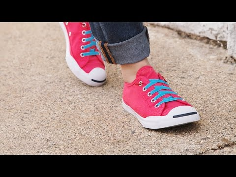 The trick for faster shoelace tying.