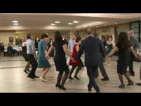 BATUTA MOLDOVENEASCA - nunta Italia muzica de petrecere servicii video si foto