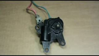 Проверка мотор редуктора заслонки отопителя.
