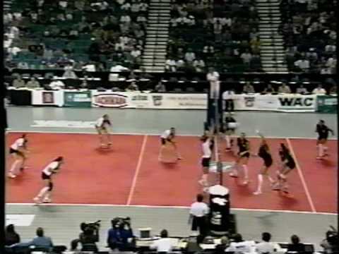 17 Wahine Volleyball g5
