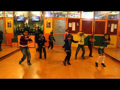 ABHI TOH PARTY SHURU HUI  BADSHAH   AASTHA Dance Performance By Step2Step Dance Studio