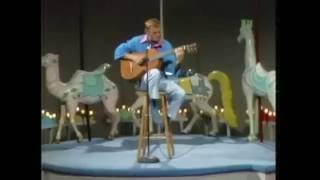 Watch Jerry Reed Hallelujah I Love Her So video