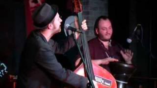 Смотреть клип Billys Band - Не Верь Мужикам Всёравно Обманут