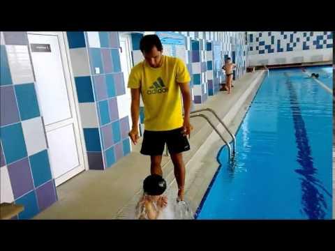 Как правильно одеть шапочку для плавания на ребенка