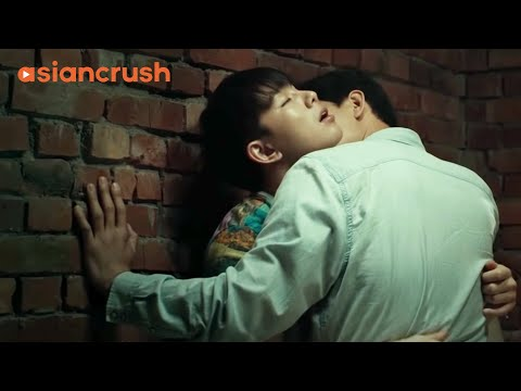 Two Korean actors begin an affair behind the scenes |  Clip