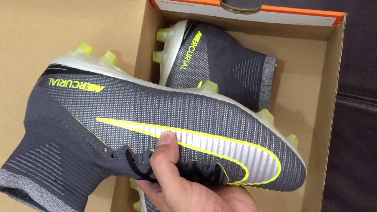 wholesale dealer e93a7 7a5d8 Nike Mercurial Superfly V CR7 2016 2017 FG Black Gold - YouTube